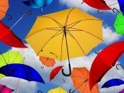 Kišobrani u raznim bojama