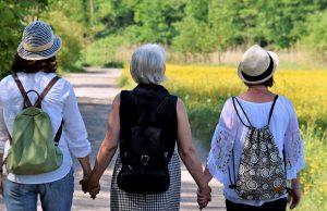 Žene, priroda, pešačenje