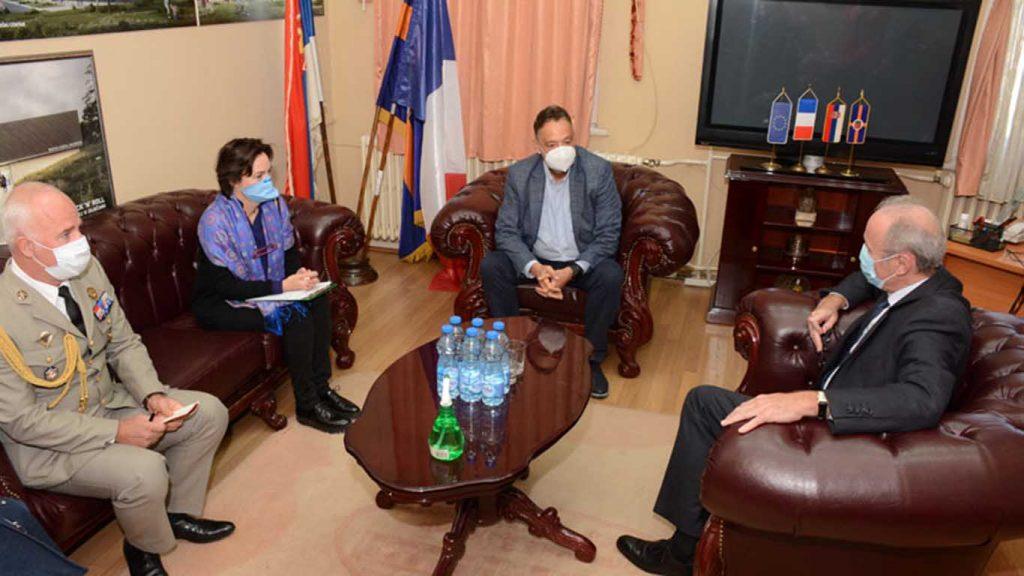 Prijem francuskog ambasadora Žan-Luja Falkonija kod gradonačelnika Zaječara Boška Ničića.