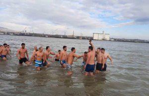 Bogojavljenje u Kladovu, plivanje za Časni krst u Dunavu